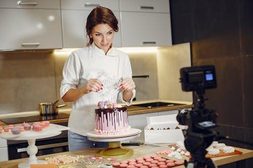 ana, aşçı, aygıt, bayan içeren Ücretsiz stok fotoğraf