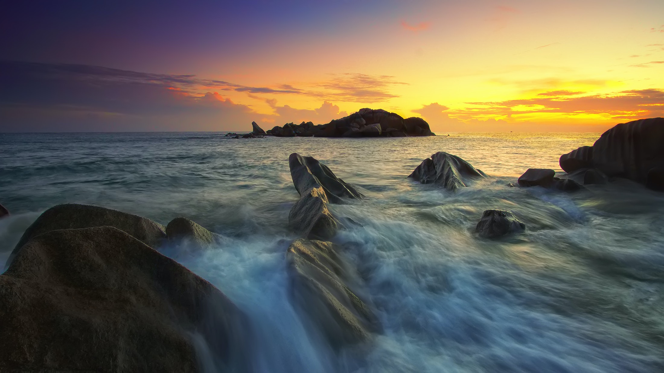 flowing water to the ocean under grey sky  u00b7 free stock photo