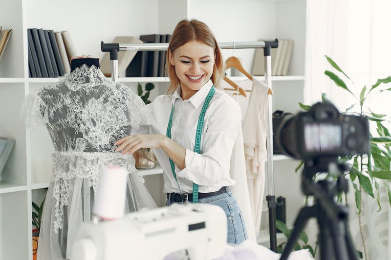 what to study to become a fashion designer