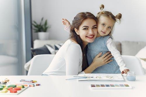 Darmowe zdjęcie z galerii z aktywność, akwarela, córka