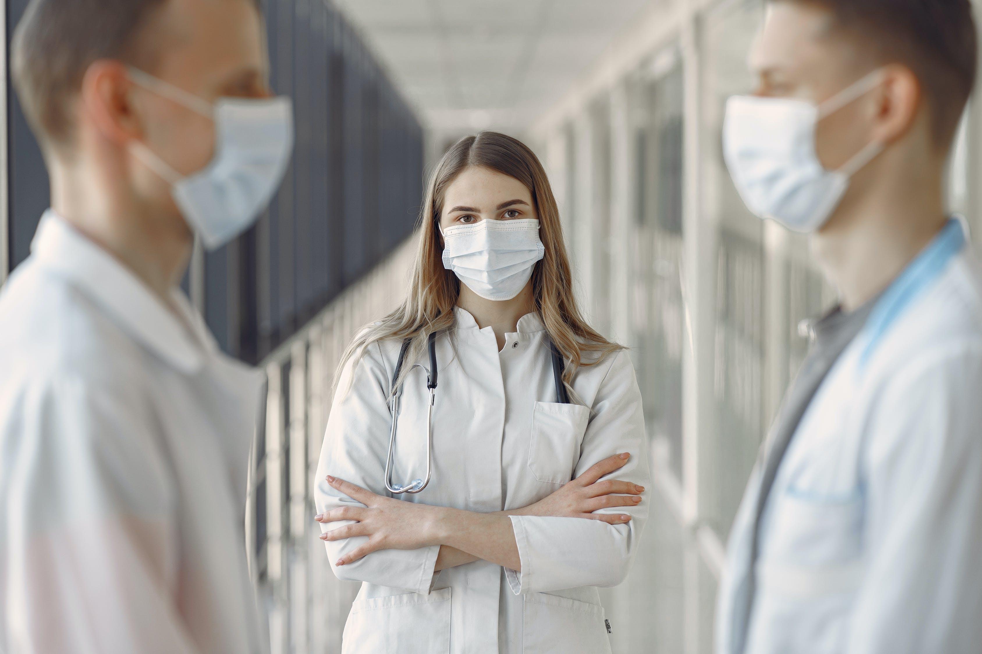 định cư canada với vai trò nhân viên y tế chăm sóc sức khỏe
