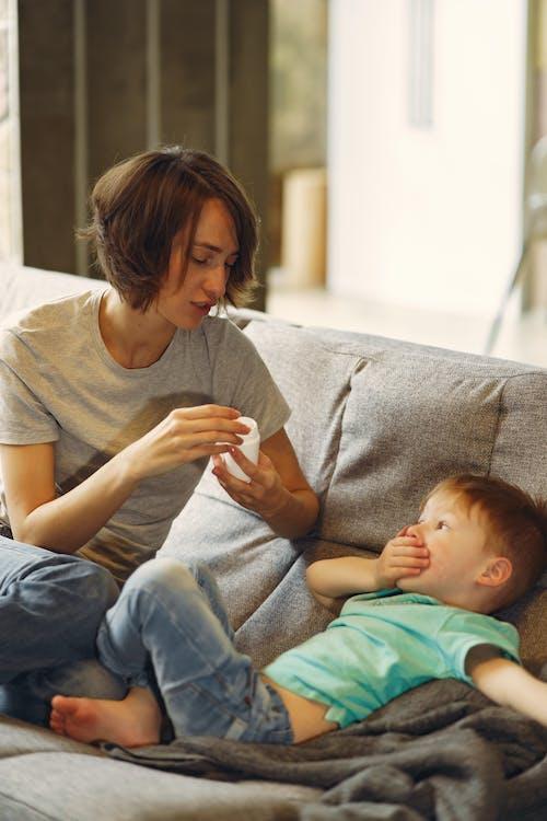 Kostnadsfri bild av allvarlig, barn, barndom, bekvämlighet