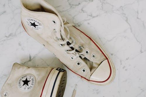 Бесплатное стоковое фото с converse, грязный, кеды, классический