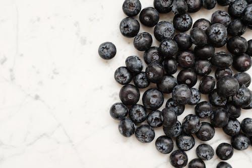 Kostnadsfri bild av äta nyttigt, bär, blåbär