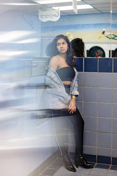 Kostenloses Stock Foto zu fashion, frau, hübsch, informell