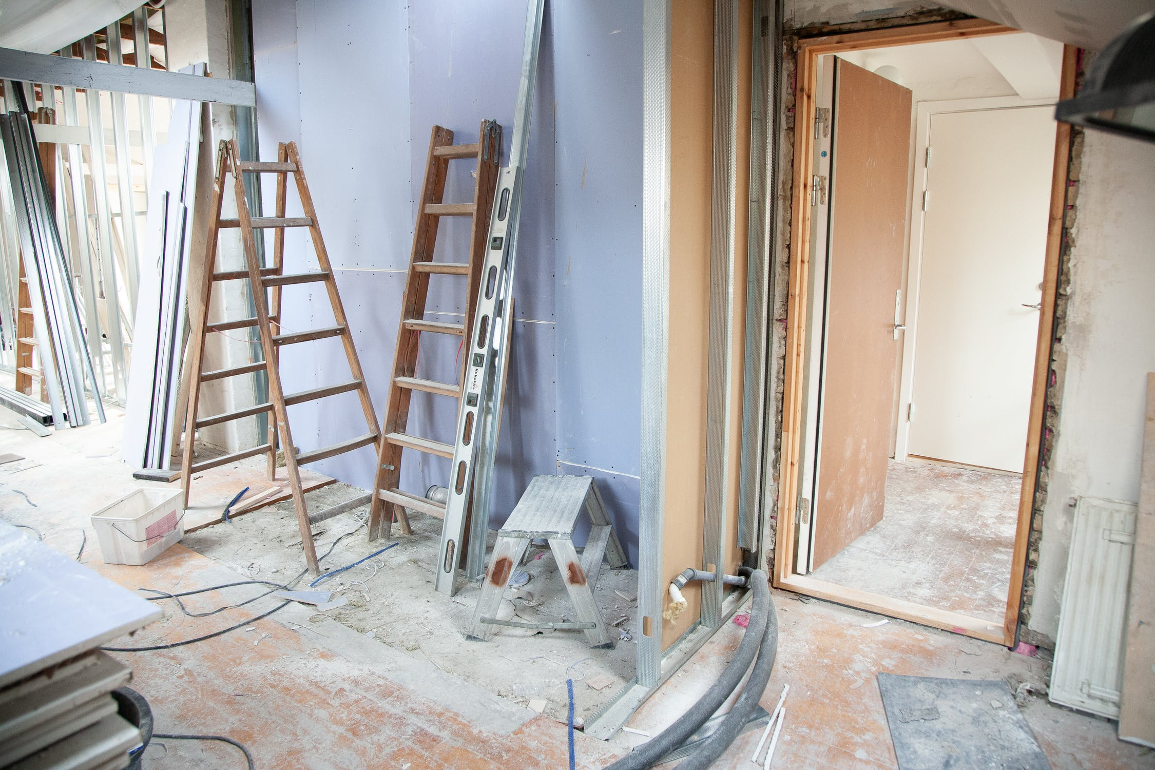 Clients need to trust real estate agents in the renovation process because agents can make important decisions for them.