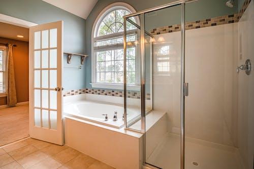 Foto stok gratis bagian dalam, bak mandi, bersih