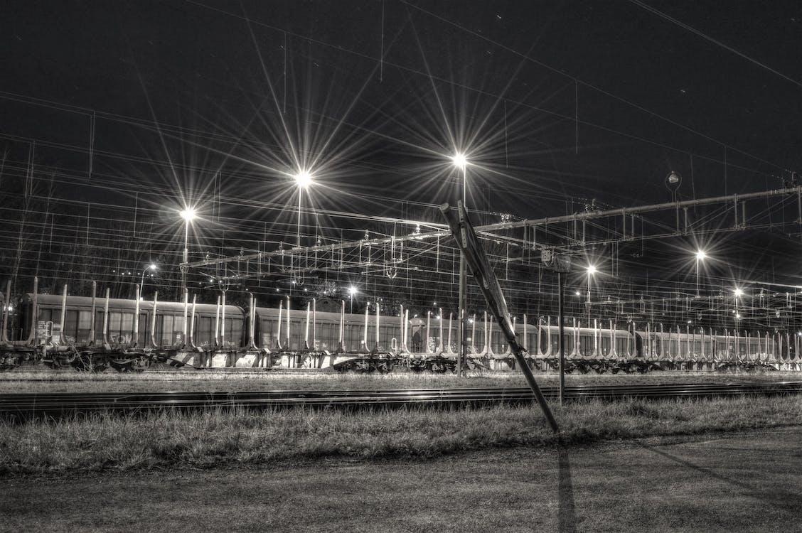 Безкоштовне стокове фото на тему «вечір, Залізничний вокзал, легкий»