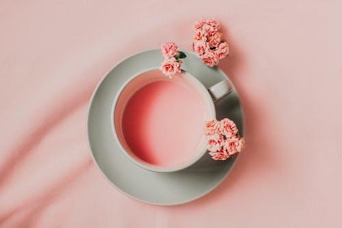 Rosa Getränk Mit Rosa Blumen