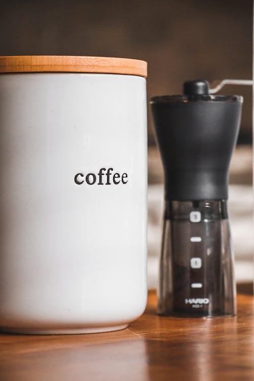 Kostenloses Stock Foto zu cappuccino, dämmerung, drinnen, dunkel