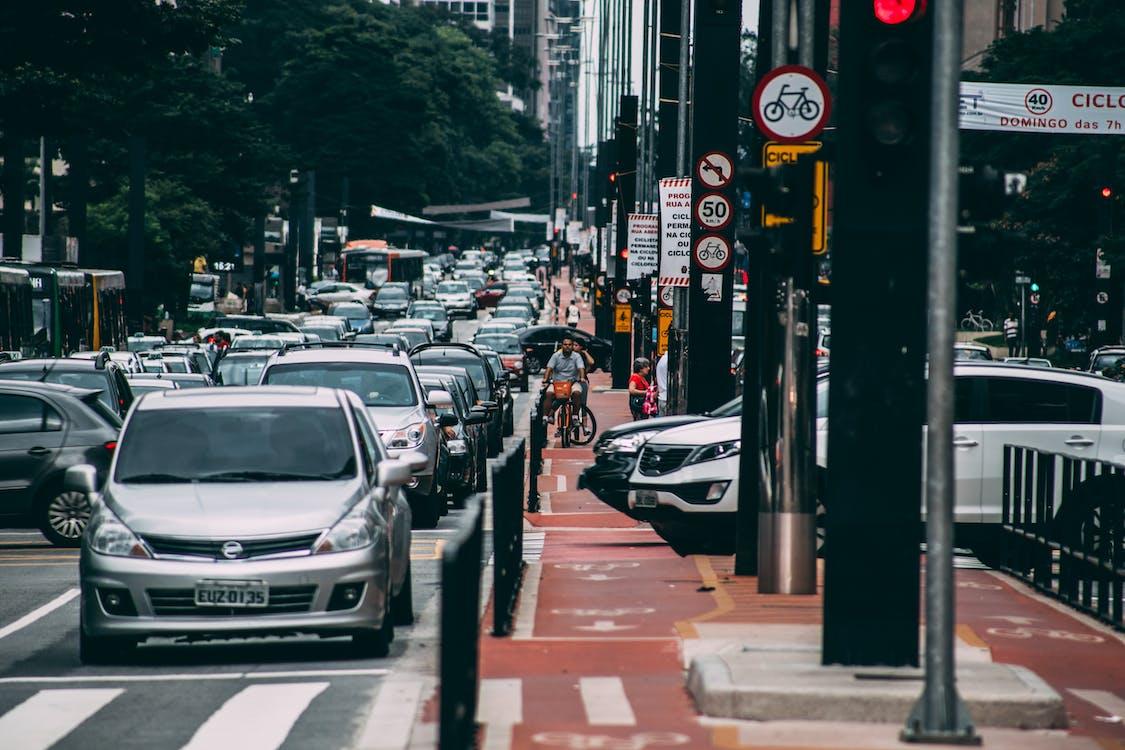 ánh sáng ban ngày, áo lót, giao thông
