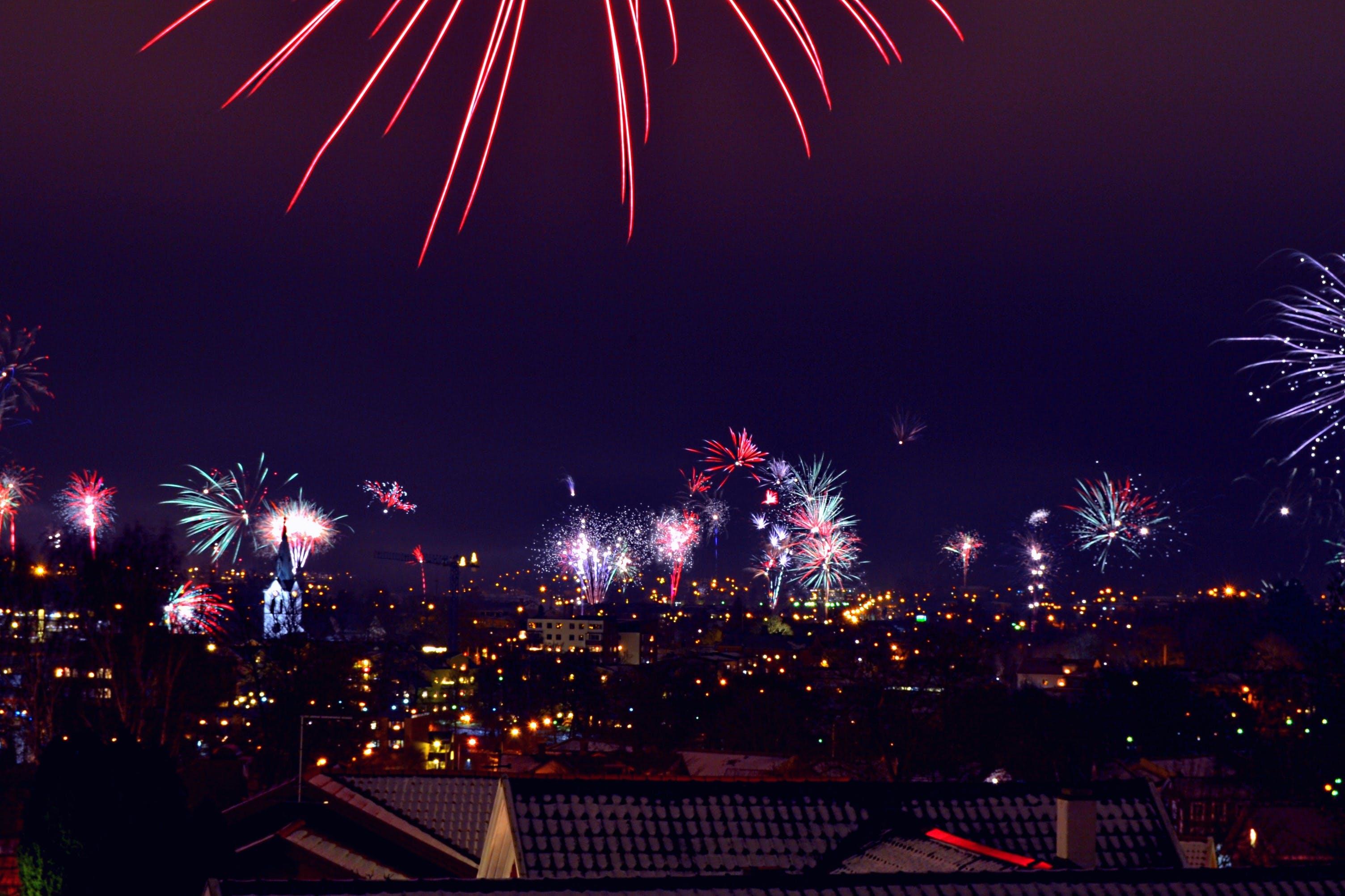 경치, 도시, 밤, 불꽃의 무료 스톡 사진