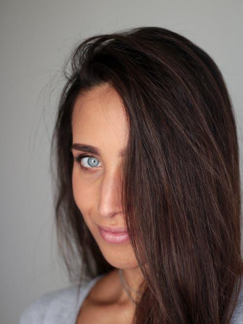 Gratis stockfoto met aantrekkelijk mooi, brunette, gezicht, haar