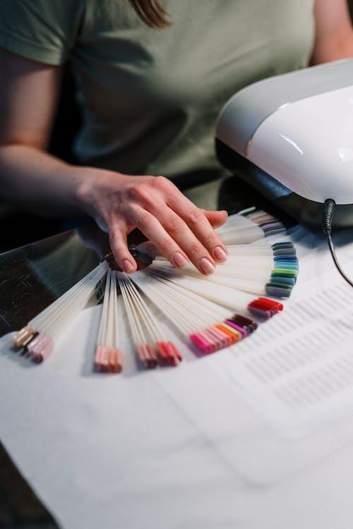 Безкоштовне стокове фото на тему «барвистий, вертикальний, гель-лак»