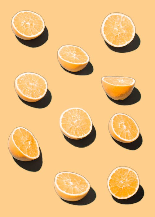 Illustration of bright similar cut oranges