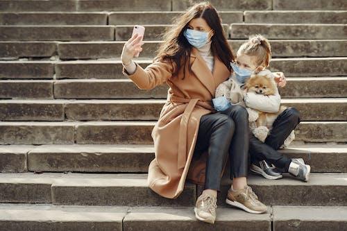 Kostnadsfri bild av använder sig av, barn, barndom, coronavirus
