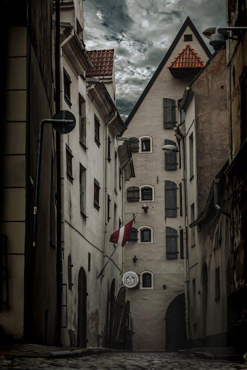 Δωρεάν στοκ φωτογραφιών με αρχιτεκτονική, αστικός, δρομάκι