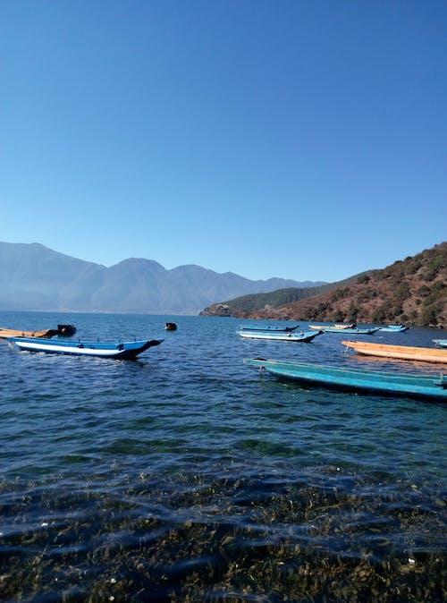 Ilmainen kuvapankkikuva tunnisteilla kiertomatka, laiva, loma, sininen vesi