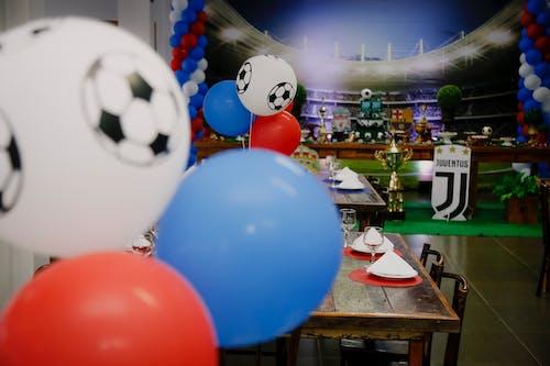 Gratis lagerfoto af balloner, bord, fødselsdag, fødselsdagsfest