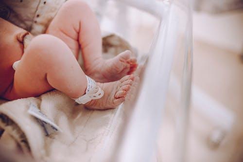 Kostnadsfri bild av barn, bebis, fötter, hud