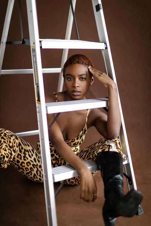 Základová fotografie zdarma na téma afroameričanka, černoch, černoška, hezký