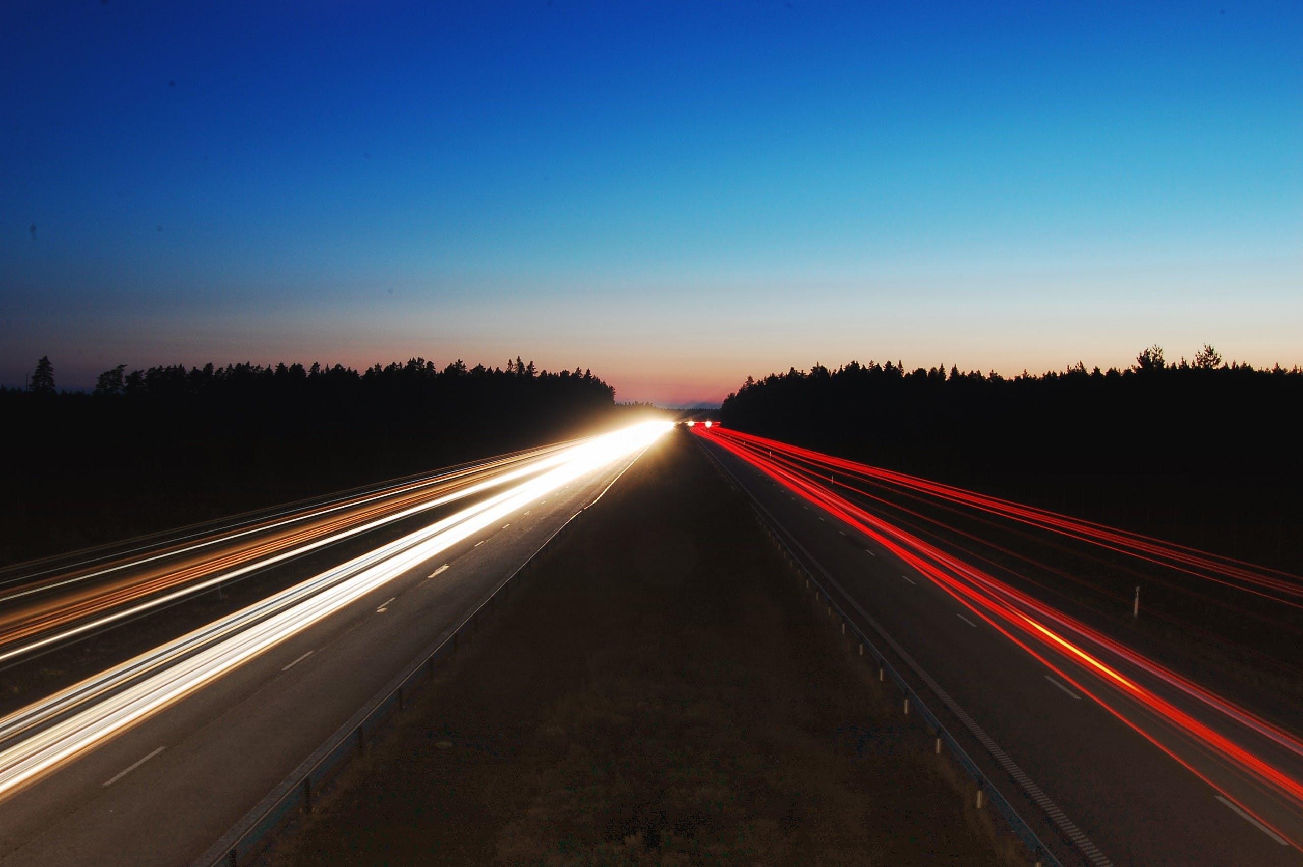 คลังภาพถ่ายฟรี ของ การจราจร, การเคลื่อนไหว, การเปิดรับแสงนาน, ความเร็ว