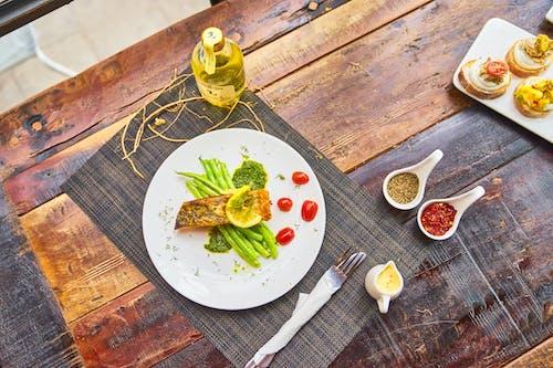 ahşap, akşam yemeği, aperitif içeren Ücretsiz stok fotoğraf