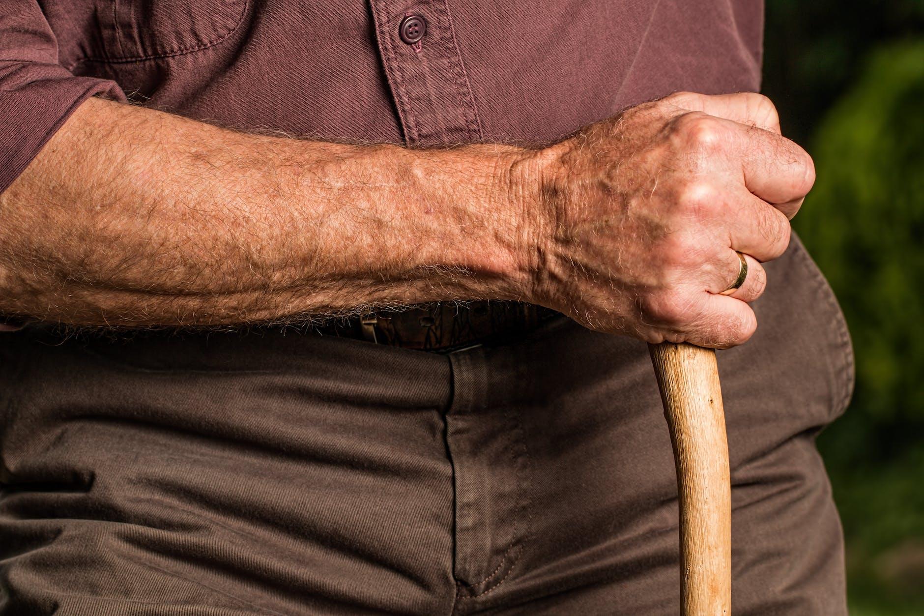 Een sterke onderarm van een boer