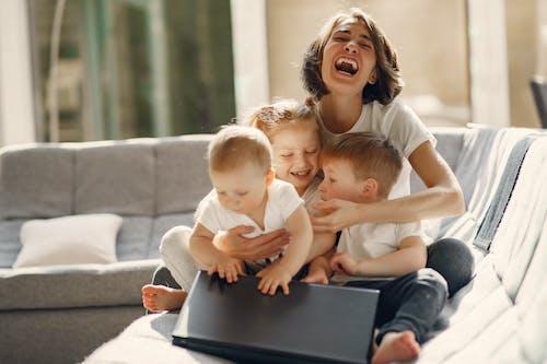 คลังภาพถ่ายฟรี ของ กอด, การดูแล, การเลี้ยงดู, การเลี้ยงบุตร
