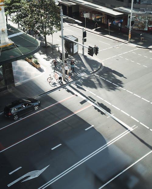 Безкоштовне стокове фото на тему «автомобіль, Вулиця, дорога, місто»