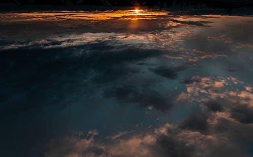 傍晚的太陽, 日落, 藍天 的 免費圖庫相片