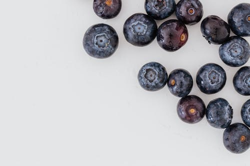 Chaotic composition of clean blueberries