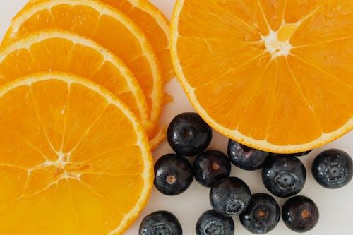 Бесплатное стоковое фото с апельсин, Аппетитный, белый фон, букет