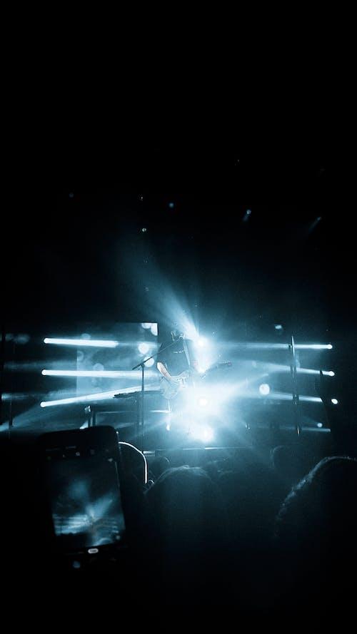 Immagine gratuita di ade, album1, ascoltare, azzurro