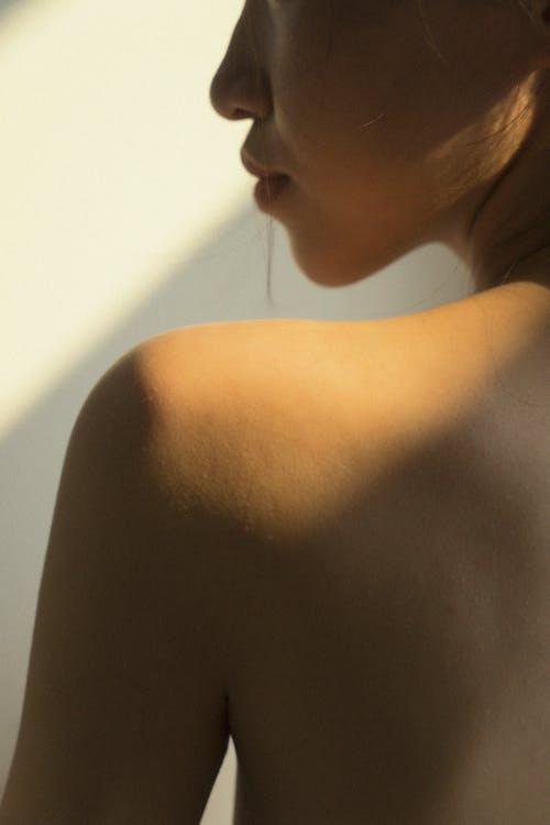 Δωρεάν στοκ φωτογραφιών με άνθρωπος, άτομο, γυμνός από τη μέση, γυναίκα