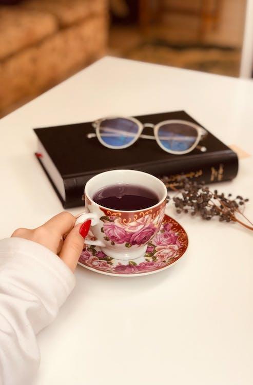 Çay, Çay bardağı, çay fincanı