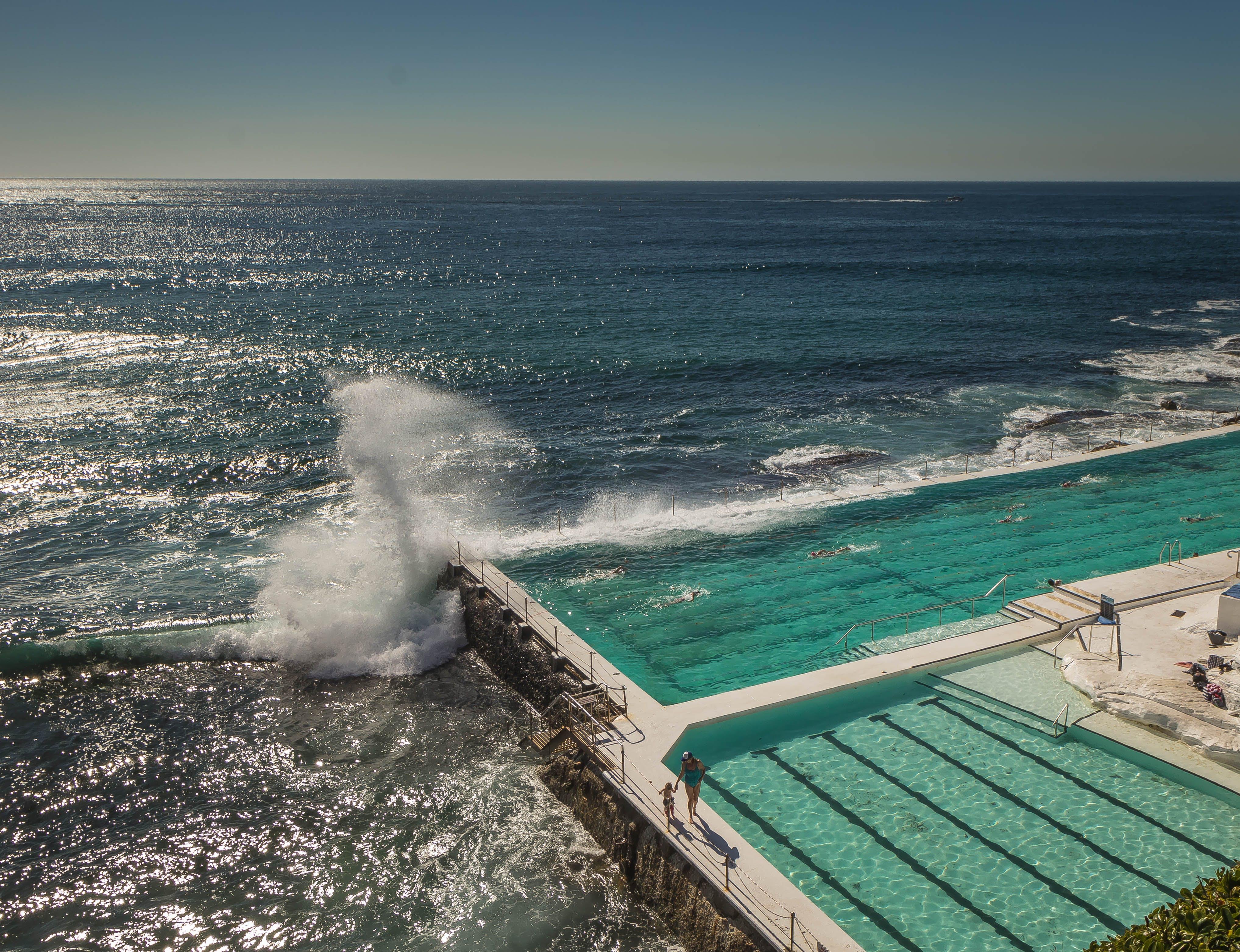Kostenloses Stock Foto zu strand, wellen, pool, wellen brechen