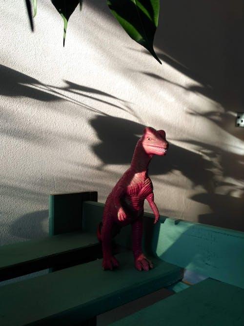 açık, aksiyon figürü, dinozor oyuncak, gölgeler içeren Ücretsiz stok fotoğraf