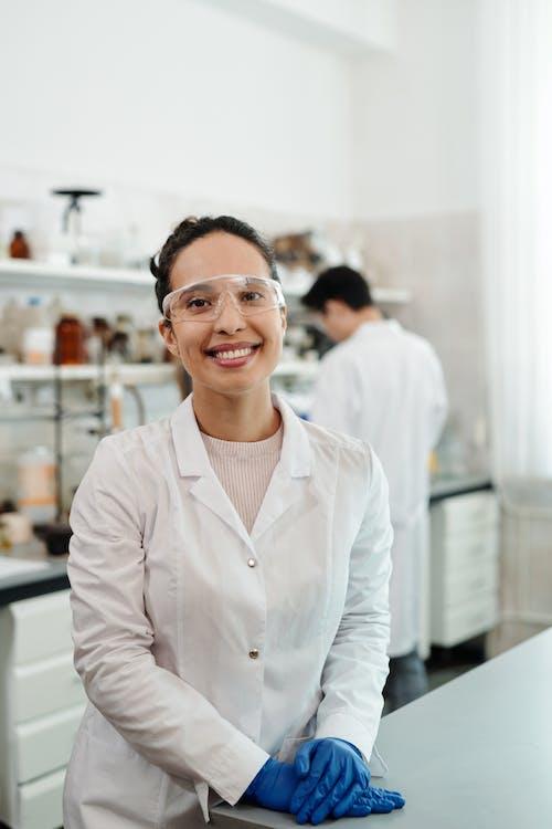 Free stock photo of adult, biochemistry, cheerful, chemist