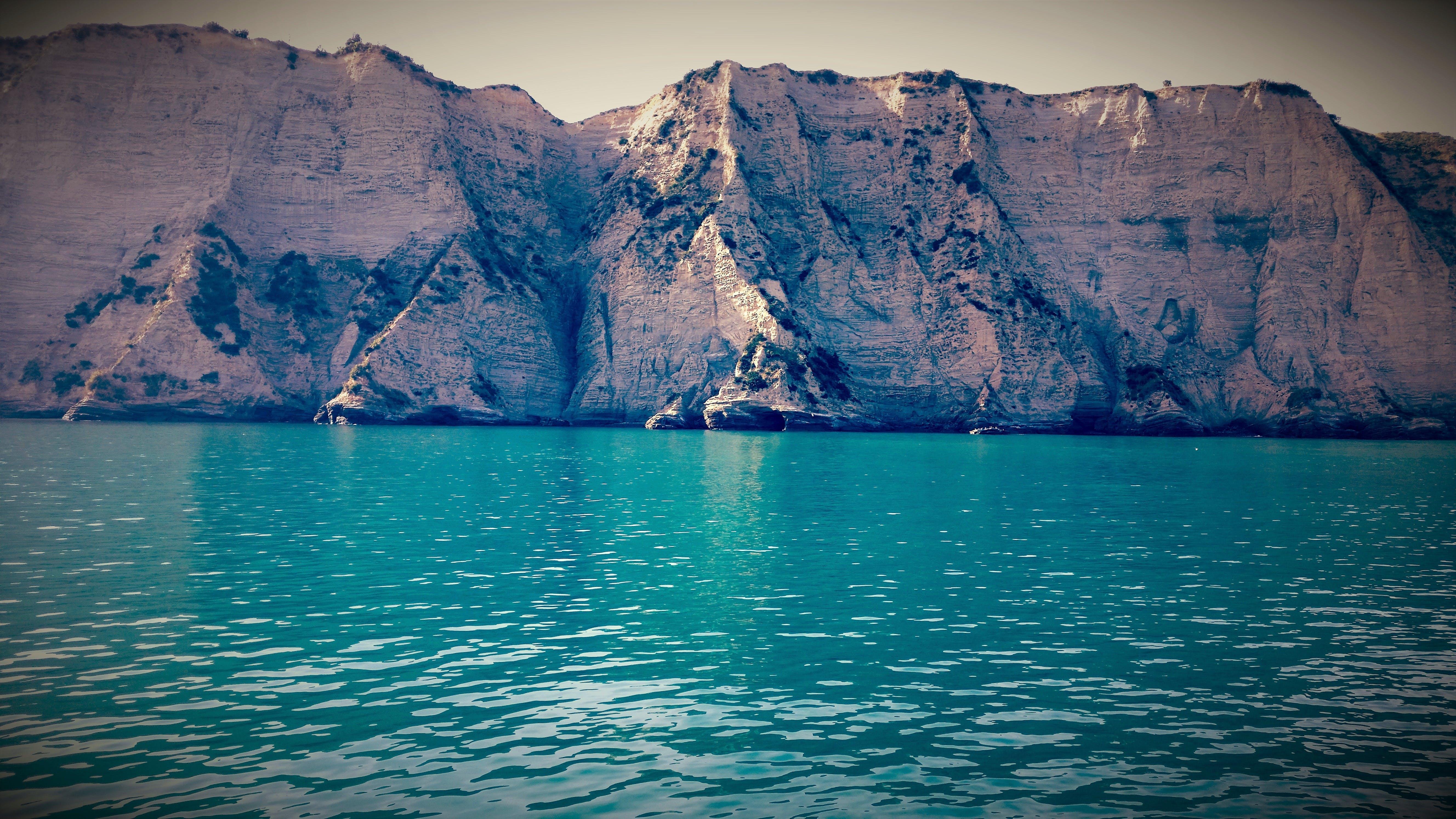 Gratis stockfoto met baai, berg, blauw, blauwgroen
