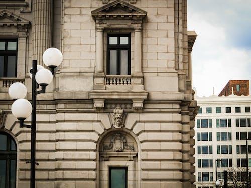 Fotos de stock gratuitas de ciudad, diseño arquitectónico, farola