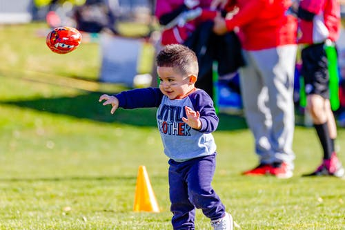 Kostenloses Stock Foto zu american football, baby, babys, football