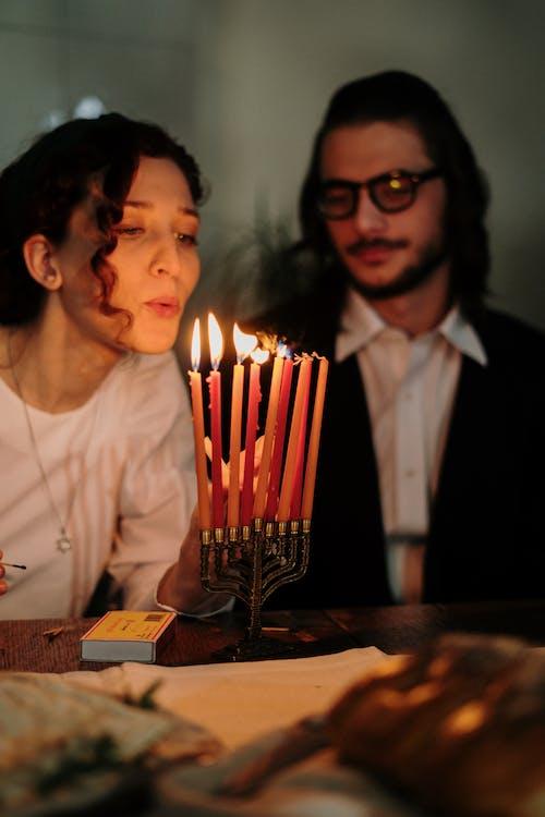 Foto d'estoc gratuïta de a casa, a taula, aïllament, aïllar