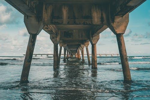 Základová fotografie zdarma na téma dok, mávání, moře, obloha