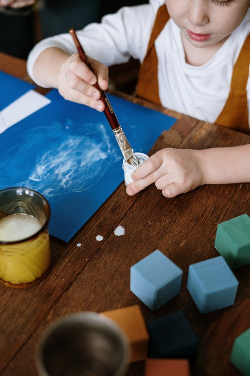 Foto profissional grátis de artes aplicadas, artes e ofícios, criança, criatividade