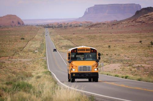Základová fotografie zdarma na téma arizona, Monument Valley, školní autobus, USA