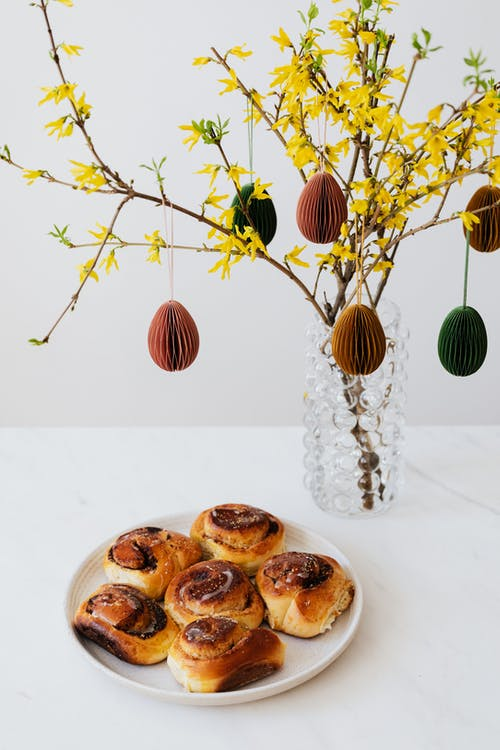 Cinnamon Rolls and Easter Decorations
