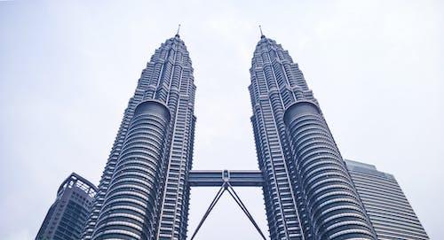 Foto d'estoc gratuïta de alt, arquitectura, cel, centre de la ciutat