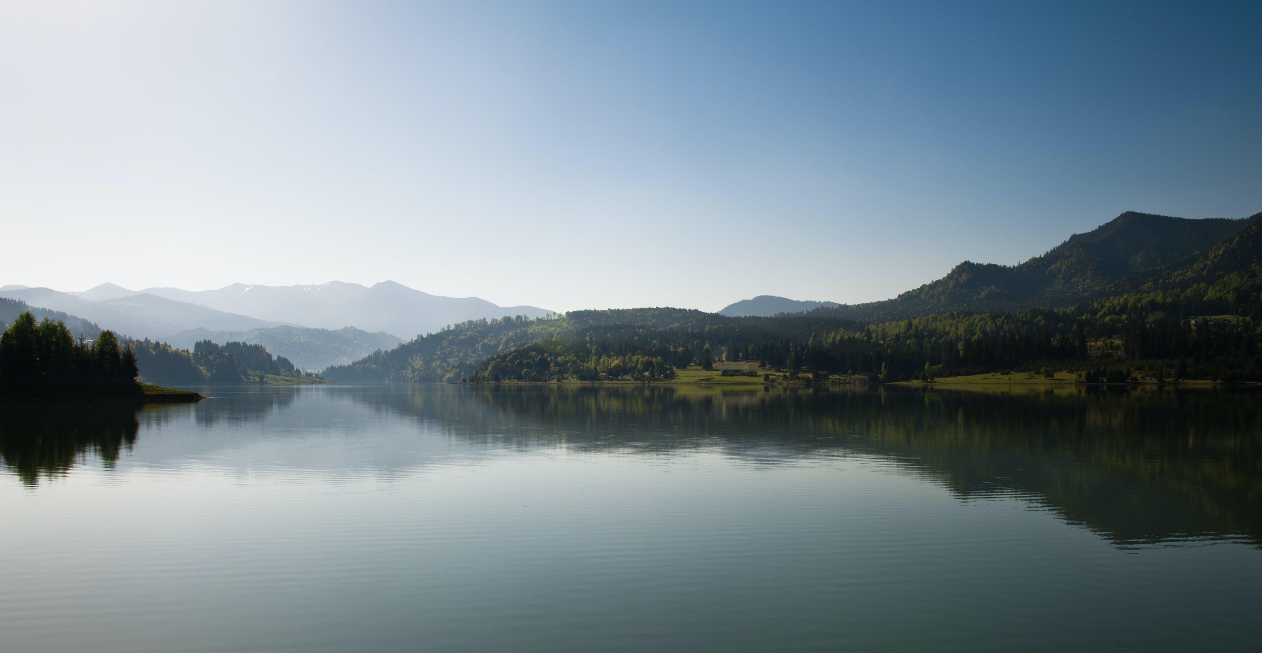 daylight, foggy, lake