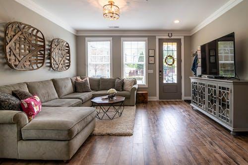 Foto d'estoc gratuïta de apartament, arquitectura, cadira, casa